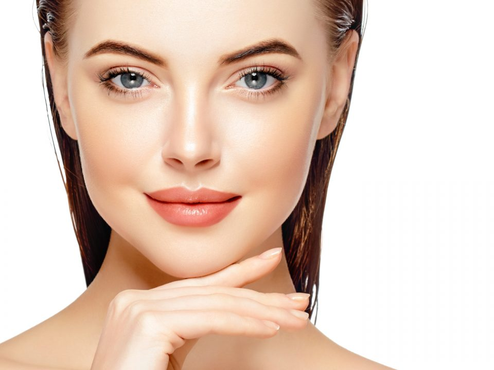 retissage cutané, cicatrices acné, acné, pore dilatés, vergetures, ridules, microneedling, laser fractionné